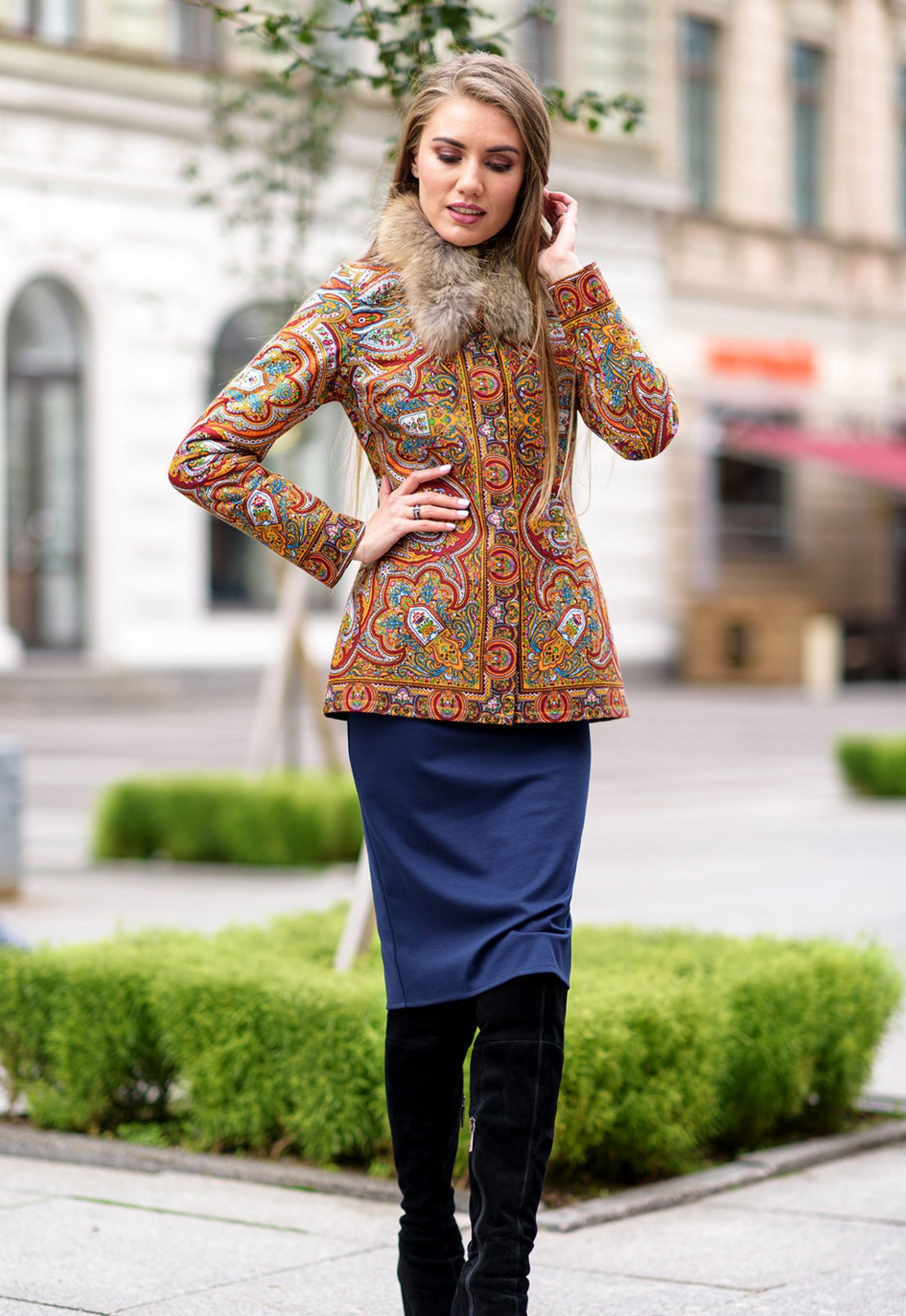 856fd4a12b380d Короткая куртка-пальто с натуральным мехом из платков в русском стиле -  Раделия. Магазин женской одежды
