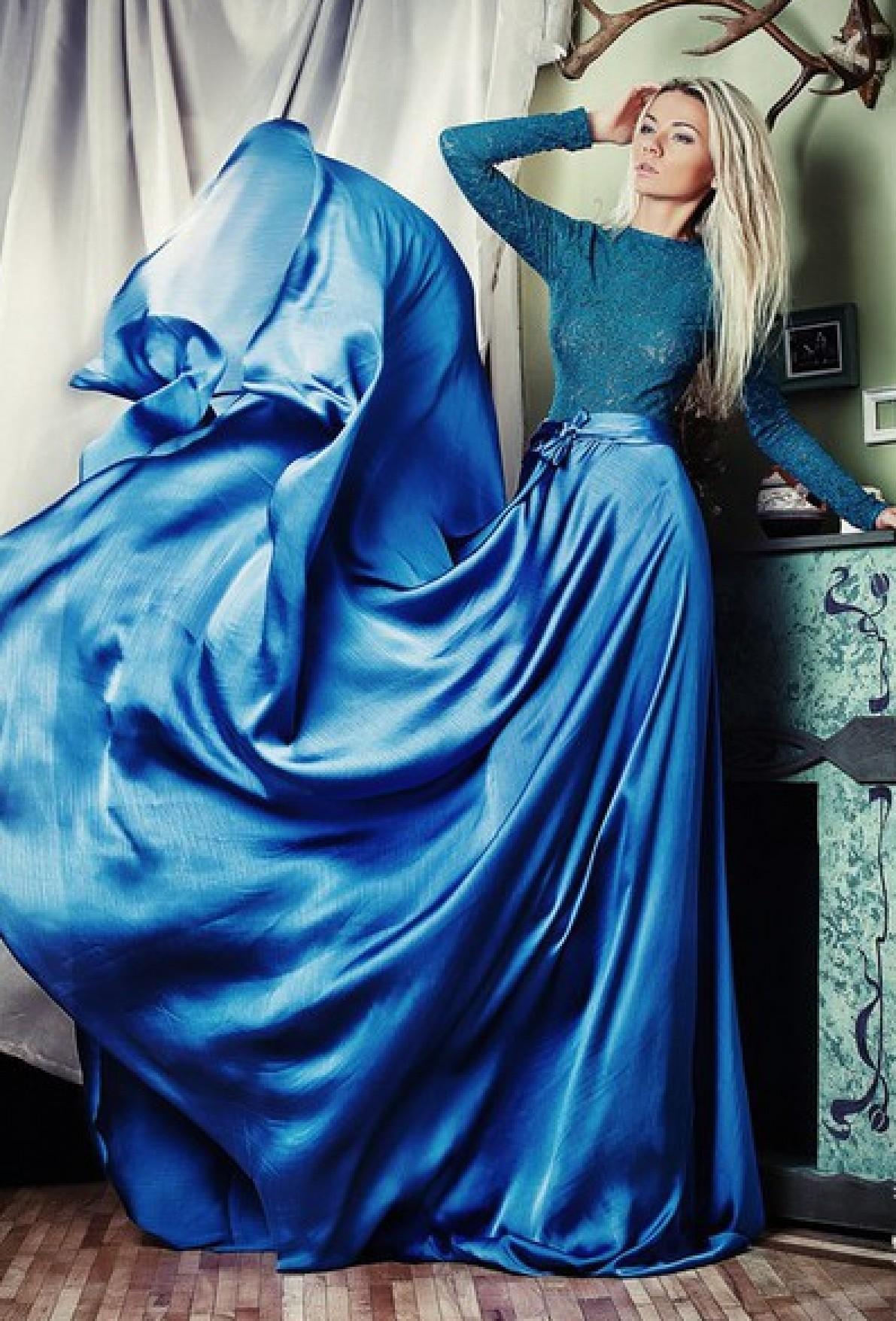 67616647b7c Голубое длинное платье с кружевным верхом на выпускной бал. Бесплатная  доставка по России