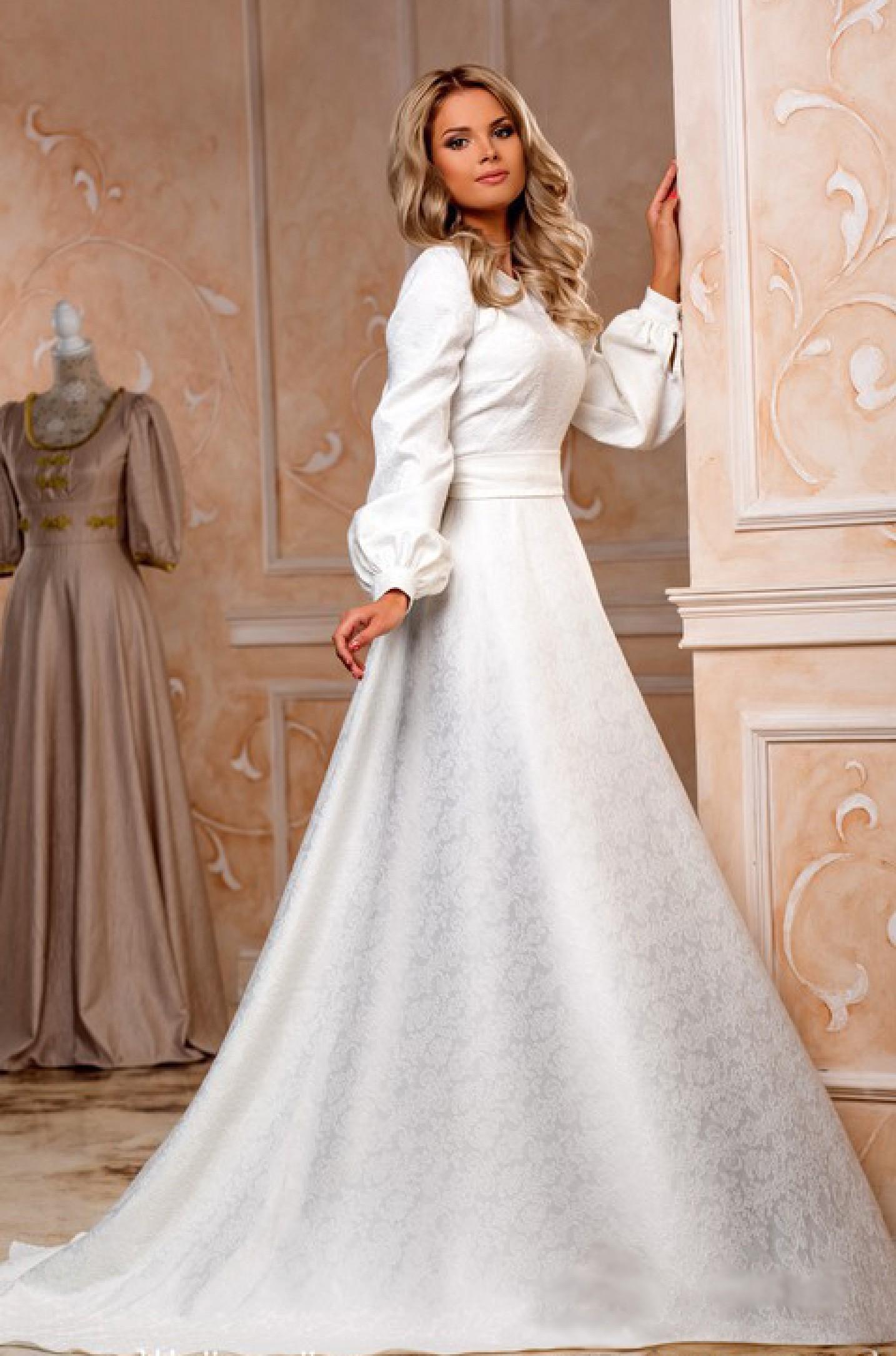 7947d02541cb Длинное белое платье. Купить белое платье с длинными рукавами в интернет  магазине Радэлия. Пошив платья на заказ.